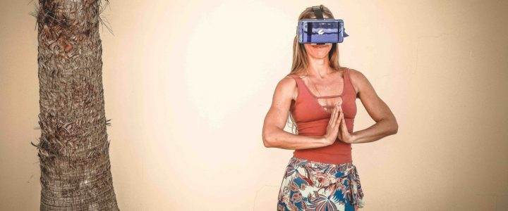 Virtual Reality Headsets for Travelers